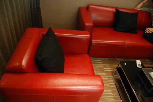 VIP RooM 義大利火紅牛皮椅