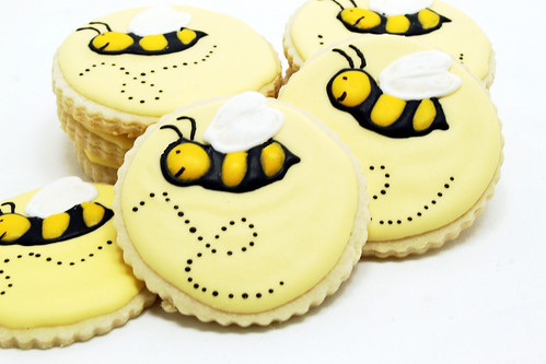 Mimi's Kitchen-Bee cookies