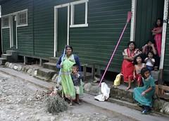 Ngobe Family (Jhaan) Tags: life family people coffee native handmade neighborhood plantation panama broom indigenous ngobe pasoancho jalalspagespeoplesalbum