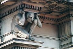 Glasgow (twm1340) Tags: building statue stone scotland glasgow carving