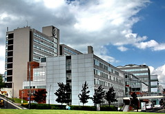 sheffield hallam university (Harry Halibut) Tags: street building campus logo pond university view howard sheffield main perspective images surrey owen shu harmer allrightsreserved campuslife hallam adsetts anglesanglesangles sheffieldbuildings imagesofsheffield andrewpettigrew sheffieldarchitecture