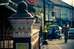 The Heritage (_DSC7504) (Fadzly @ Shutterhack) Tags: china street city travel vacation people holiday hot heritage nature architecture landscape asian town interestingness nikon asia published bokeh wide chinese culture photojournalism documentary nikond50 explore human malaysia tropical vista tropic restoration kuala kampung 70300mmf456g scape cinematic paysage 风景 cina asean 風景 terengganu equator dorp humid 2007 landschap publish aldeia mys チャイナタウン budaya mensen 景色 aldea payang aspect مدينة الناس الصين деревня mennesker explored i500 村 nikonstunninggallery 마을 shutterhack चीन senibina गांव कस्बा