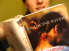 Redeeming Love  (Day 271/365) (Fe em Brasil) Tags: selfportrait me reading book autoportrait faith spinks day271 myeverydaylife 365days views400 francinerivers canonpowershota550 redeeminglove