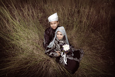 LUT+SU (Harizazman) Tags: world lighting old wedding boy people playing black art nature smile photoshop asian nikon asia natural outdoor wide sb600 hijab tokina malaysia truly kampung potrait utm baju tone melayu johor cls beutiful toning d90 1116mm harizazman