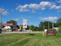 Sidney Illinois Welcome Sign (Ray Cunningham) Tags: county town illinois small champaign sidney