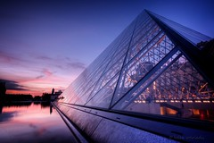 pei fire and ice (helen sotiriadis) Tags: blue sunset sky black paris france reflection water glass museum architecture canon purple pyramid louvre steel perspective fuchsia pei hdr impei canonefs1022mmf3545usm pyramidedulouvre photomatix canoneos40d