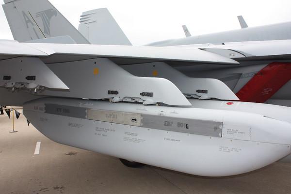 EAA10_EA-18G_47