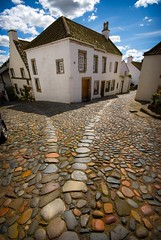 This way or that (gms) Tags: street house way scotland fife cobbles culross