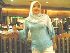 l7b9d3ed2fae54c1e3bda80kp6 (jilbablover) Tags: friend hijab jilbab