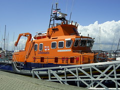 Yarmouth Lifeboat, Isle of Wight (Richard and Gill) Tags: sea rescue harbour lifeboat vectis isleofwight yarmouth wanderer wight iow rnli 1725 rnlb severnclass ericandsusanhiscock