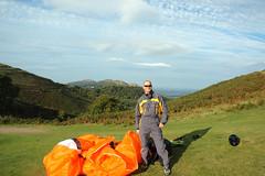 Land out. (Raveydv) Tags: black flying high view hill great malvern paragliding soaring glider soar paraglide artik raveydv niviuk