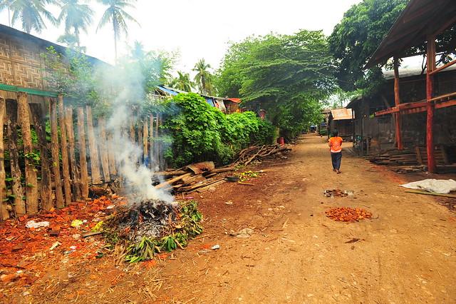 Backstreets of Myawaddy.