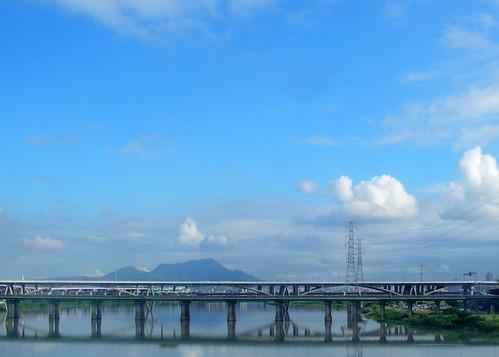 清晨的華翠大橋