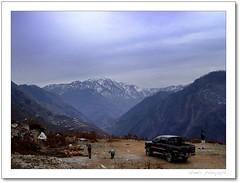 Winter (Raheel Adnan) Tags: travel winter pakistan india snow playing mountains tourism car kids jeep cloudy prayer border vehicle loc kashmir adnan neelumvalley raheel