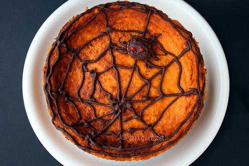 Cheesecake alla zucca con ragnatela al cioccolato