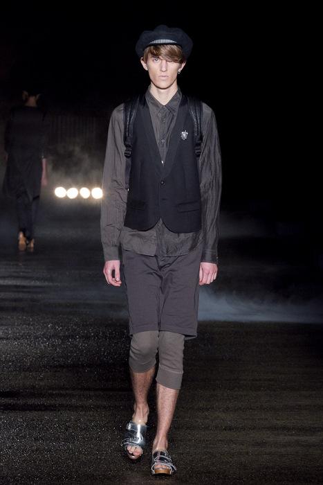 Gabriel Gronvik3086_SS11_Tokyo_Davit MEURSAULT(Fashionsnap)