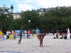 000_2336 (bdausse) Tags: beach champdemars volley beachvolley2007