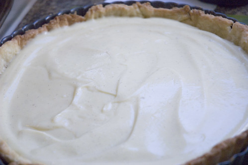 vanilla-flecked pastry cream in butter crust