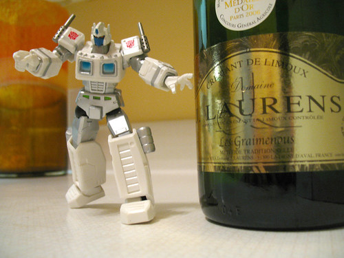 Ultra Magnus discovers the champagne!