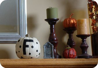 2010 Fall/Halloween Mantle