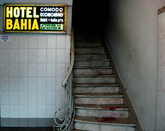 Baha (mujerLiteral) Tags: sign dark hotel scary blood mujer buenosaires stair loneliness empty 911 ciudad escalera advice soledad corrientes ml cheap sangre vacio tipografia cartel literal texto marmol oscuro darky viajante marquesina comodo desolado tenebroso baranda hospedaje economico ceramicos avcorrientes mujerliteral