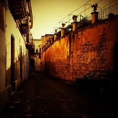 Vie vecchie di Lecce - Old roads in Lecce (Aleks_Kuntz) Tags: vintage lomo lomography 365 lecce iphone lowfi lomografia polarize fakevintage 365project falsovintage hipstamatic progetto365 lomora