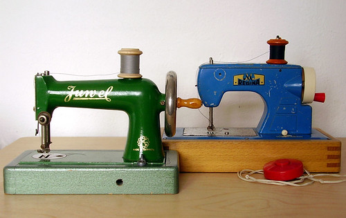 Kindernähmaschinen - Toy Sewing Machines