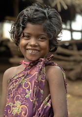 Orissa : Bisipur #2 (foto_morgana) Tags: portrait india girl children kid child tribal tribes ethnic orissa paroja abigfave impressedbeauty 50millionmissing onephotoweeklycontest bisipur jodhiaparoja