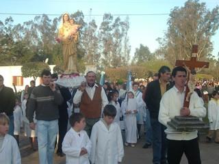 Procesión por las calles de Las Isletillas