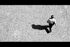 Perspective (Marlon Max) Tags: street family shadow brazil max colour up familia brasil canon cores weird flickr colours angle top sombra wb pb stuff perspectiva alegria ywam cor marlon cima urbanas angulo brasileira colorido undergroud ausencia espontaneo ywamer xti canonxti ysplix flickrelite flickrelitegroup fotoclubebh theperfectphotographer flickrestrellas tres16 marlonmax storybehindimage flickrawardgallery yreporterdiarock maxmarlon