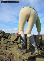 kb-bullseye-jods-002 (KinkyBoots1) Tags: wellies galoshes gummistiefel wellingtons bottes jodhpurs muddyboots hunterboots