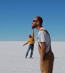 Pablo & Pietro, Salar de Uyuni (Niall Corbet) Tags: salt bolivia andes salar altiplano saltflat salardeuyuni