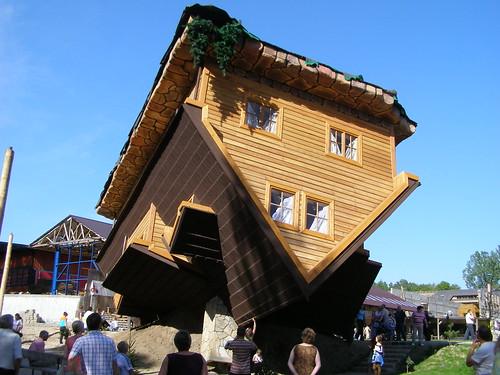 Casa al revés de Daniel Czapiewski Houses upside down