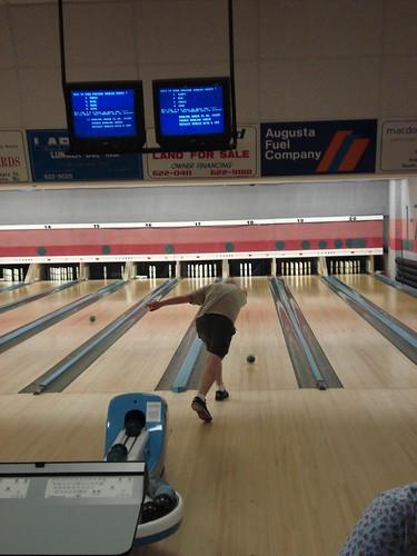 Tut bowling.JPG
