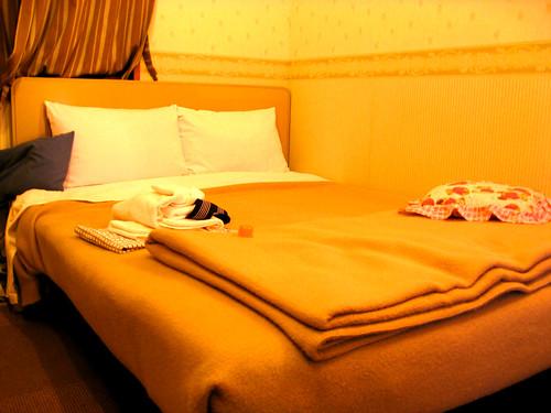 oak hotel double bedroom