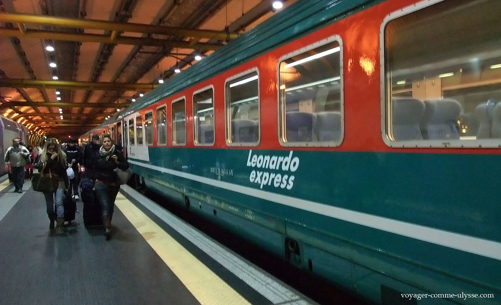 Leonardo Express, train reliant Rome à l'aéroport