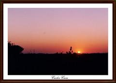 """De nios nos decan: """"El sol se va a dormir"""" (Carlos Casa) Tags: sunset film sol contraluz atardecer 50mm m42 1750 fujifilm analogue ricoh ocaso tls analogica coucherdesoleil rollo fujicolor rikenon f17 analogico singlex"""