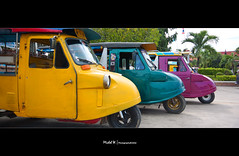 Tuk tuk tuk... ([ Michel ]) Tags: green yellow canon thailand colorful purple tuktuk michel ayutthaya 450d tamron18270mm 18270mm michelphotography