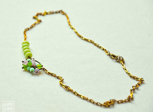 Oval hoop and glass beads Necklace