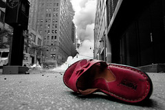 Explosion, New York 18.7.07 (noamgalai) Tags: street new york nyc woman usa ny newyork news photography shoe photo smoke pipe explosion picture injury photojournalism boom steam cnn photograph blast noam   allrightsreserved sitenews   photomania steampipe  noamg  naom galai  noamgalai   aplusphoto naomgalai wwwnoamgalaicom