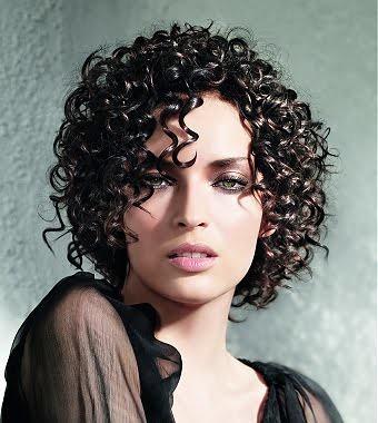modelos de penteados para cabelos cacheados