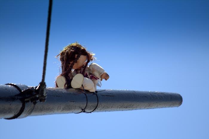 Mascot on the mast