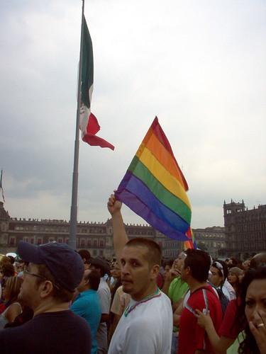 Banderas en el zócalo Todas las