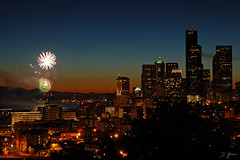 Happy Fourth Of July! (From Seattle) (Dan Sherman) Tags: seattle washington fireworks fourthofjuly independenceday seatac beaconhill downtownseattle seattlewashington fourthofjulivars downtownseattlefireworks seattlefourthofjuly seattleindependenceday drrizalparkseattle julivars fireworksseattle drrizalpark