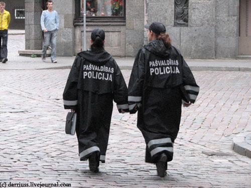 riga_policewomen