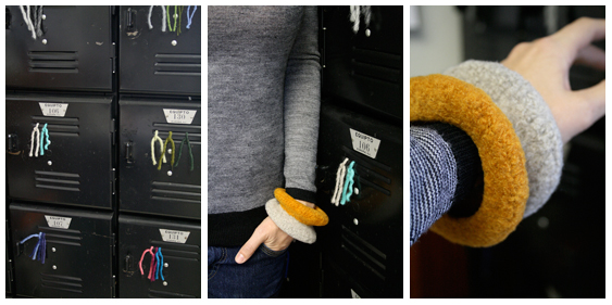 Hand crocheted bracelet Duo Wrist Pod papaver vert