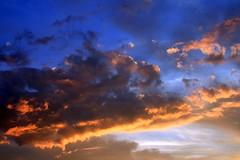 Sky Near the Blue Hour (Read2me) Tags: sky clouds twilight bluehour cye gamewinner thechallengefactory ultimategrindwinner herowinner superherochallengewinner pregamewinner