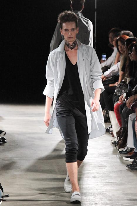 Rutger Derksen3042_SS11_Tokyo_GUT'S DYNAMITE CABARETS(Fashionsnap)