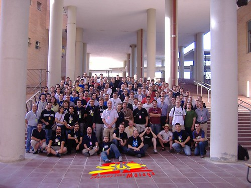 akademy-2005-group-photo_logo
