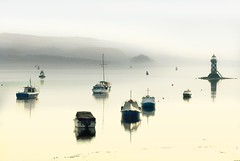 Misty Clyde (gms) Tags: lighthouse misty river boats scotland clyde smooth calm chill mellow zzzzzzzzz portglasgow inverclyde dumbartonrock oppositetescos